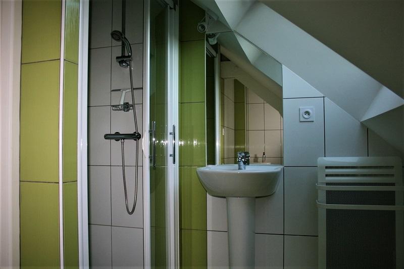 etage-salle-de-bain-gite-rosiers-sur-loire-2