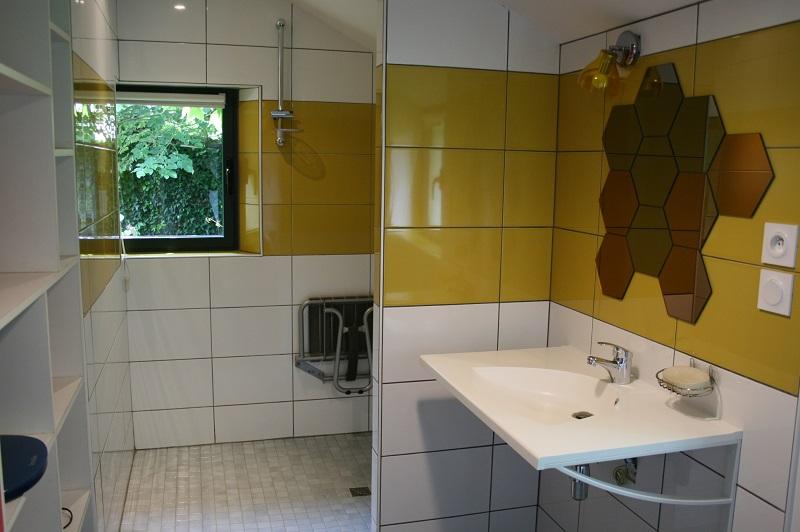 rdc-salle-de-bain-gite-rosiers-sur-loire-2